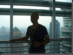 KL - David in Petronas skybridge 02