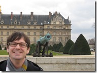 Tim in front of Invalides Hotel